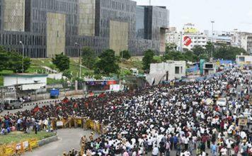 DMK chief Karunanidhi final farewell