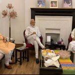 PM मोदी ने लिया आडवाणी और मुरली मनोहर जोशी से आशीर्वाद, शाह भी रहे साथ