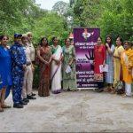 दुर्गा शक्ति टीम ने छात्राओं को किया जागरूक