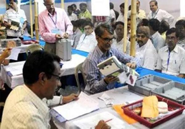 झारखंड परिणाम : रुझानों में कांग्रेस-JMM बहुमत के पार, BJP ने गंवाई सरकार