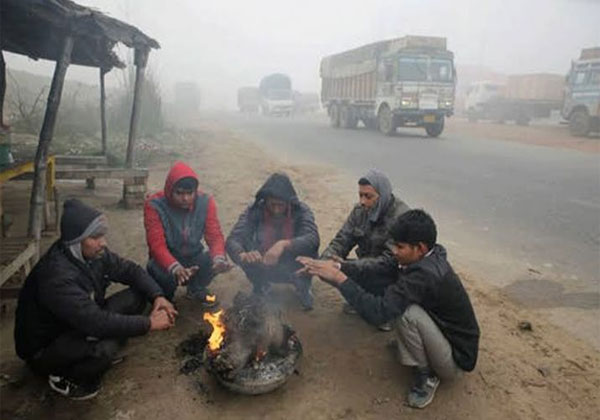 उत्तरी भारत में सर्दी का प्रकोप, हिमाचल में भारी बारिश-बर्फबारी का पूर्वानुमान
