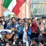 AMU के छात्रों ने CAA और NRC के खिलाफ किया विरोध प्रदर्शन