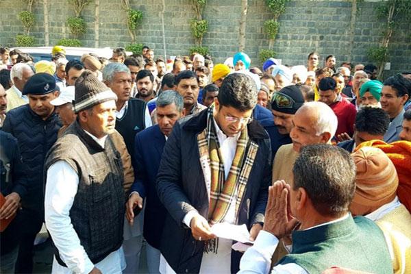 गठबंधन सरकार मजबूती से प्रदेश को आगे बढ़ाने की दिशा में कर रही है काम