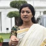 अलका लांबा ने पोलिंग बूथ पर AAP कार्यकर्ता को मारा थप्पड़