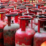 आम आदमी पर महंगाई की मार, बिना सब्सिड़ी वाले गैस सिलिंडर 150 रुपए तक हुए महंगे