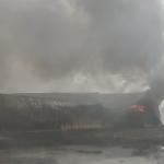 आग लगने से प्लास्टिक दाना फैक्ट्री जलकर हुई स्वाहा