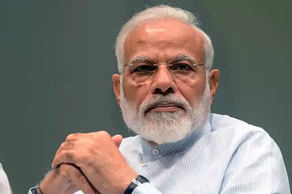 बीजेपी नेताओं ने पीएम की अपील को भी किया नजरअंदाज, बॉलीवुड डायरेक्टर बोले- यकीन नहीं होता