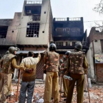 भागीरथ विहार में उपद्रवियों का तांडव, बीजेपी नेता का जला दिया घर