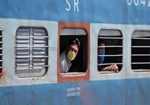 Indian Railways : रेलवे का ऐलान, 200 ट्रेनों के लिए आज से एजेंट, रेलवे काउंटर समेत कई जगहों पर होगी बुकिंग