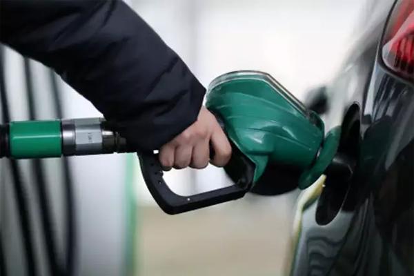 लगातार 13वें दिन बढ़े पेट्रोल-डीजल के दाम
