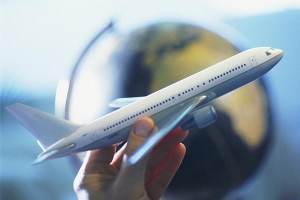प्रदेश में हवाई सेवाओं की होगी बढ़ोतरी, एअर कंपनियों के प्रतिनिधियों से डिप्टी सीएम ने की बैठक