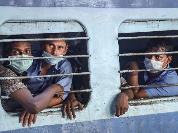 भारत में अब कोरोना के कम्युनिटी ट्रांसमिशन का खतरा, सरकार रही फेल: नेशनल टास्क फोर्स