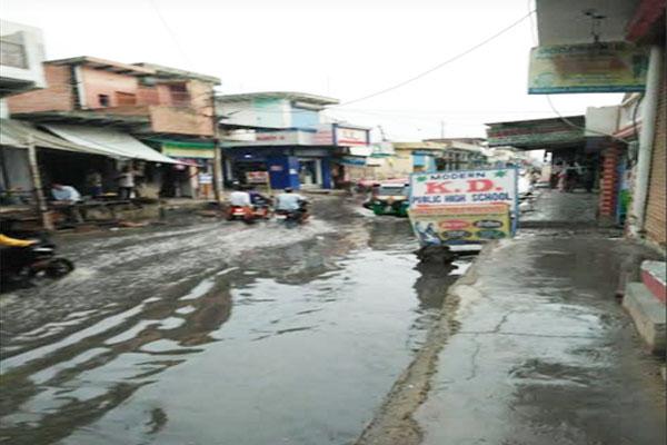 नंगला रोड की खस्ता हालत से परेशान हैं क्षेत्रवासी