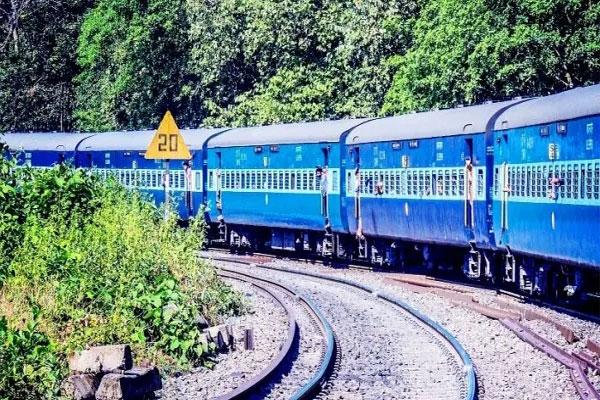 जल्द ही दौड़ेंगी 90 नई स्पेशल ट्रेनें, किस रूट पर चलेंगी ट्रेनें, जानने के लिए पढ़िए रिपोर्ट