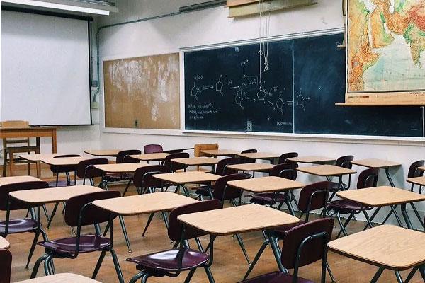 कल से 9वीं से 12वीं तक के विद्यार्थी डाउट्स क्लियर करने आ सकेंगे स्कूल