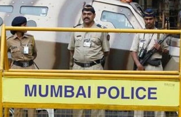 मुंबई पुलिस को बदनाम करने के लिए बनाए गए 80 हजार फर्जी अकाउंट्स
