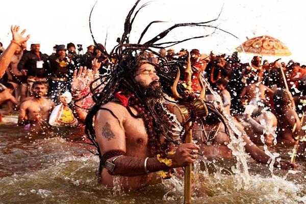 कुंभ मेले शाही स्नान