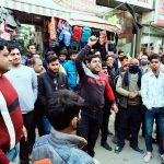 दुकानदारों के विरोध के कारण तिरंगा यात्रा से वापस लौटे विधायक नरेंद्र गुप्ता