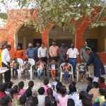 पहली व दूसरी कक्षा के विद्यार्थियों को पहले दिन स्कूल में प्रवेश पर चन्दन टीका लगाकर स्वागत किया गया