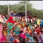 तोडफ़ोड़ के विरोध में ग्रामीणों ने सूरजकुंड रोड पर लगाया जाम