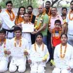 खेल में हार जीत कोई माईने नहीं रखता, खेल को खेल की भावना से खेलना चाहिए : गंगेश तिवारी