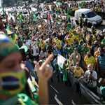 Brazil News: ब्राज़ील में कोरोना से त्रस्त लोग सड़क पर उतरे, सरकार के खिलाफ जबरदस्त गुस्सा