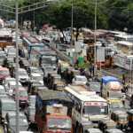 दिल्ली में बारिश के बाद कई स्थानों पर जलभराव से यातायात हुआ प्रभावित