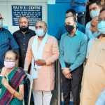 भाजपा नेता टिपरचंद शर्मा ने किया वैक्सीनेशन शिविरों का निरीक्षण